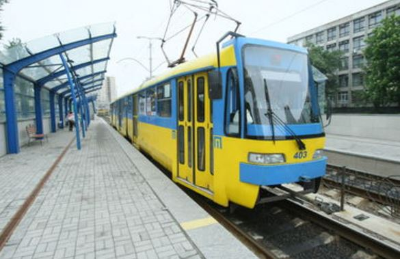 В Киеве произошло ЧП со скоростным трамваем