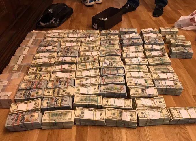 Луценко похвастался огромным количеством переданных в суд дел против взяточников