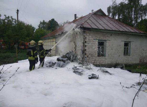 В Черниговской области самолет рухнул на жилой дом