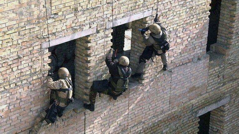 Несговорчивого самоубийцу из Львовщины пришлось «успокаивать» спецназовцам
