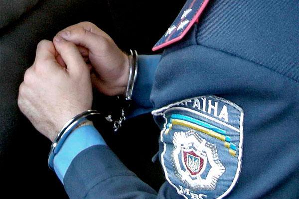 Екс-заступнику поліції Хмельниччини світить 8 років за шахрайство