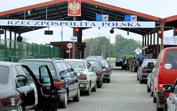Польща має намір обмежити в'їзд в Україну автомобілів з іноземною реєстрацією