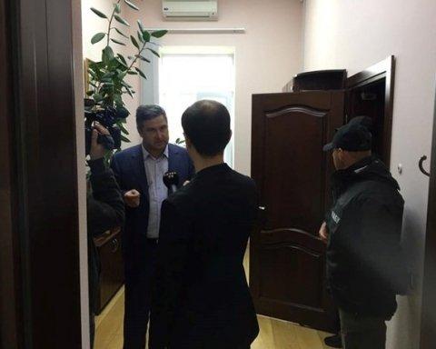 Опубліковано відео масштабних обшуків в окружному адмінсуді Києва