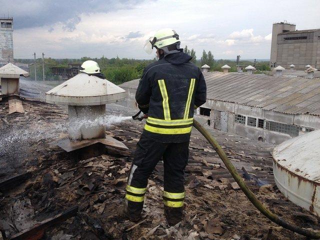 Ворожий обстріл пошкодив тваринницький комплекс в Новолуганському