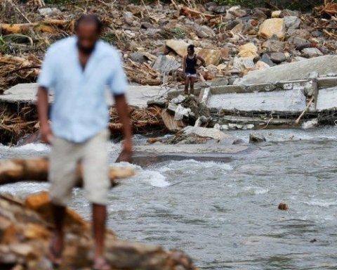 На Шри-Ланке масштабное наводнение унесло жизни более 150 человек, опубликовано фото