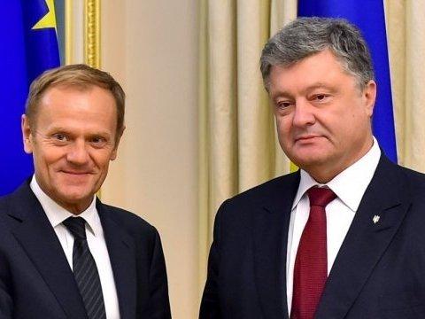 Порошенко поговорил с Туском о санкциях ЕС против России