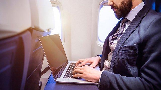 У Трампа хочуть розширити список забороненої електроніки на авіарейсах