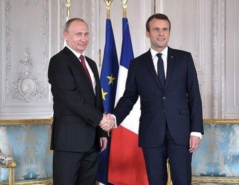 Соцсети высмеяли «кислое» лицо Путина на встрече с Макроном