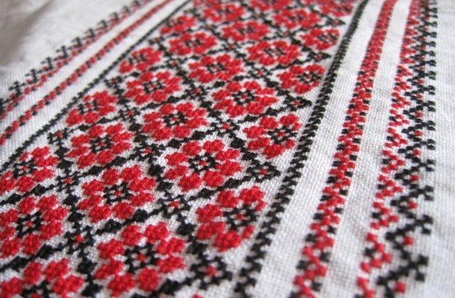 Сьогодні в Україні День вишиванки