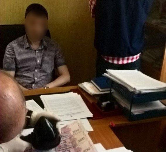В Умані на хабарі затримали декана університету