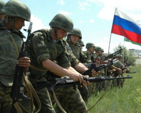 После завершения учений Запад-2017 Россия и в дальнейшем активно стягивает войска в Беларусь