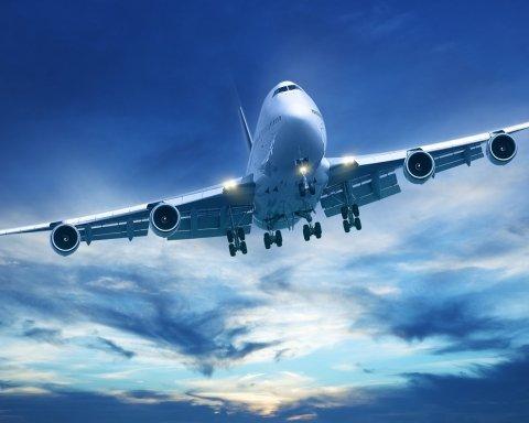 Пасажирський літак почав розвалюватись просто в небі над Римом