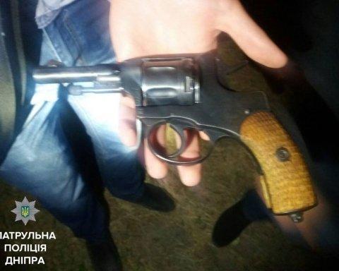 У Дніпрі влаштували криваву стрілянину біля супермаркету, опубліковані фото