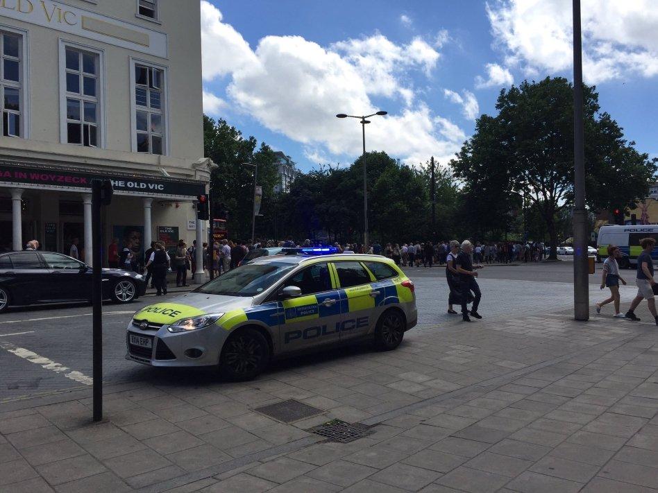 У Лондоні через загрозу теракту евакуювали глядачів театру