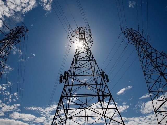 Надзвичайні заходи в енергетиці України збережені до початку осені