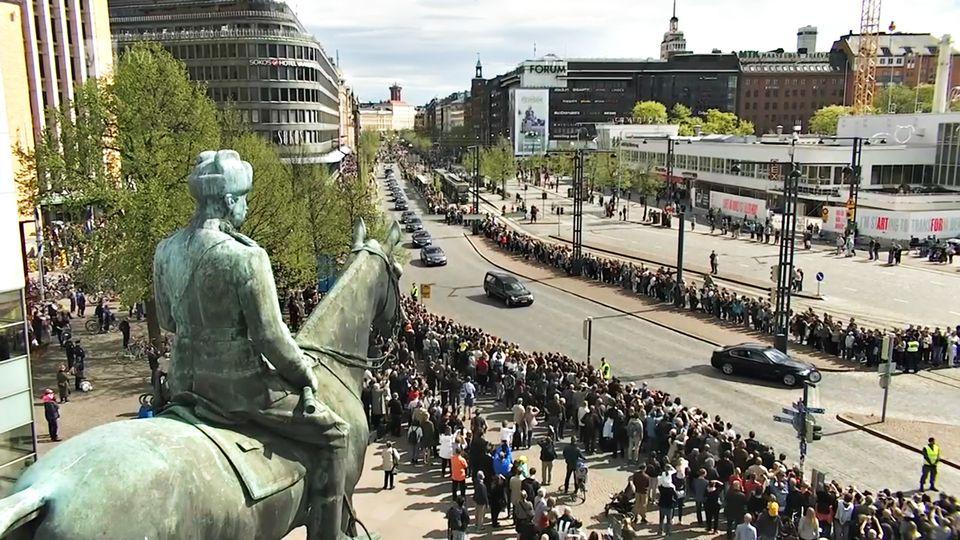 Під час похорону президента Фінляндії поліція ловила дрони
