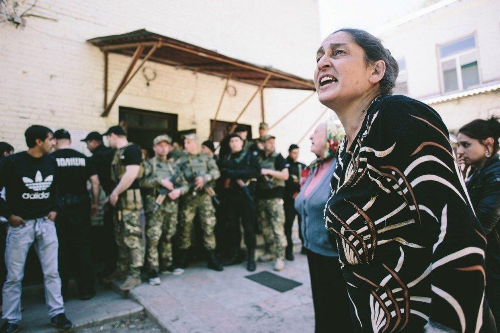 Беспорядки под Харьковом: в поселок Ольшаны введен спецназ