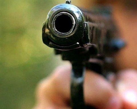 Стрілянина в Києві: поліція розшукує вбивцю, котрий розстріляв байкера під час їзди