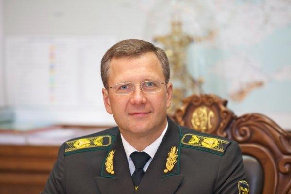 Интерпол объявил в розыск беглого украинского экс-чиновника и его российскую жену