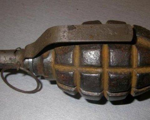 У Києві знайшли гранату на дитячому майданчику