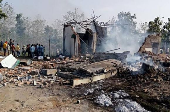 В Індії злетіла у повітря велика фабрика, багато постраждалих