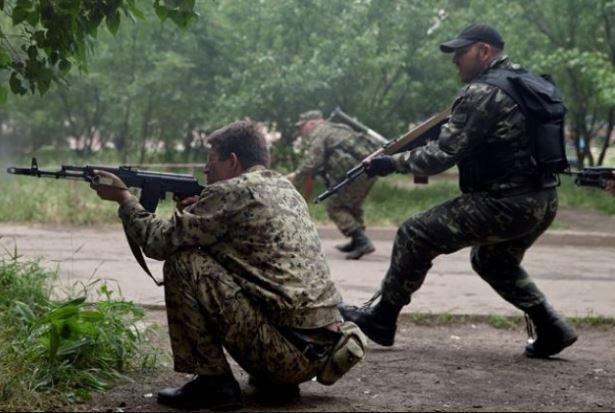 Бойовики знову застосували важку зброю на Донбасі, у ЗСУ є втрати