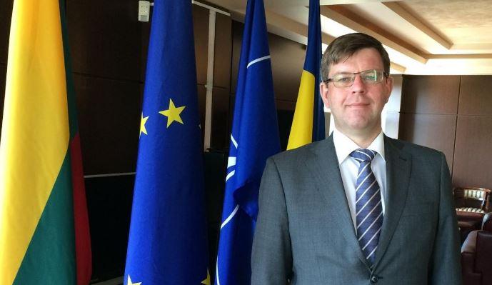 Посол європейської країни показав, як потрібно проводити безвізових українців