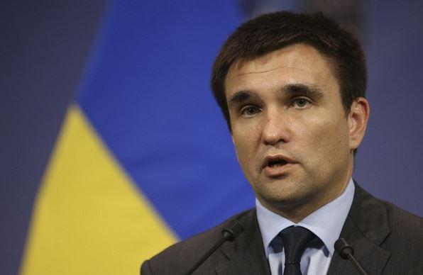 Клімкін хоче посилити контроль за росіянами в Україні