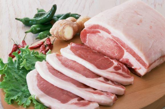 В Україні рекордними темпами дорожчає свинина