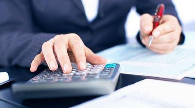 Чи повернуть українцям гроші за податок з пенсії