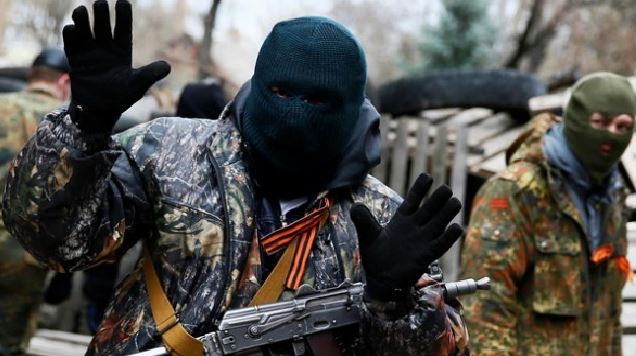 """Бойовики """"ДНР"""" почали знищувати все українське"""