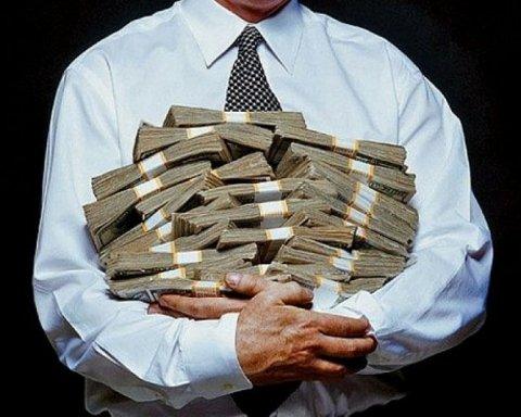 Стала відома колосальна сума додаткових видатків на зарплати вищої гілки влади