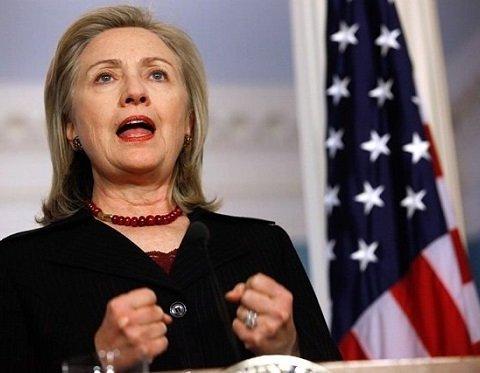 Хілларі Клінтон побачила причину своєї невдачі на виборах в Facebook