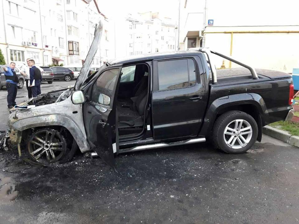 В Луцке сожгли автомобиль нардепа, участника АТО