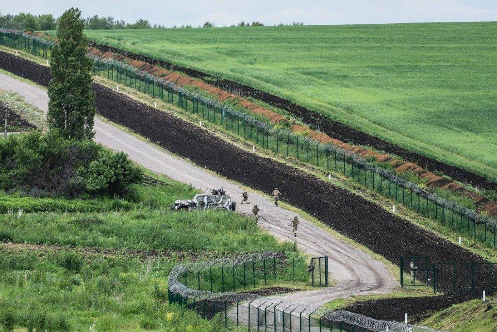 Відгородитися від ведмедя: чи потрібна «Стіна» на кордоні з Росією