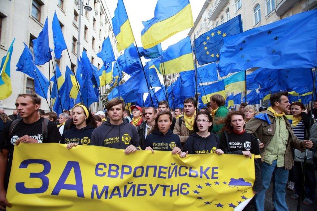 Вспомнили об Украине: как жители Крыма и Донбасса оформляют себе безвиз