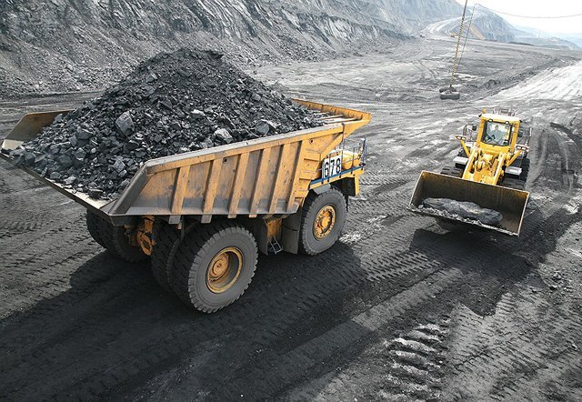 На Львівщині вантажівками крадуть вугілля з шахт