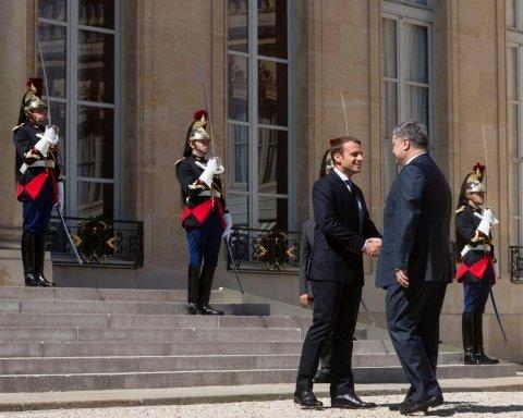 Привіт Путіну: Порошенко та Макрон згадали про Анну Київську