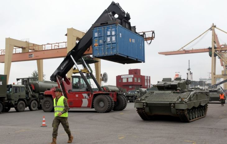 У Латвію прибула нова партія смертоносної зброї НАТО