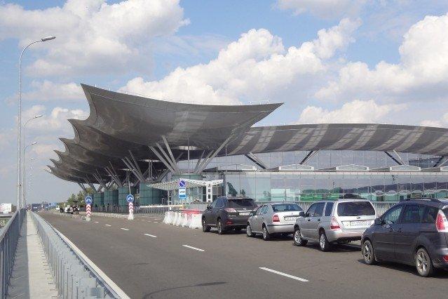Стало відомо, коли біля аеропорту Бориспіль повинен з'явитися пристойний паркінг