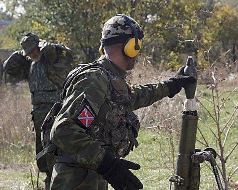 На вихідних бойовики на Донбасі вели масований вогонь з важкого озброєння