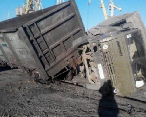 Жуткое ДТП в Грузии: поезд столкнулся с грузовиком