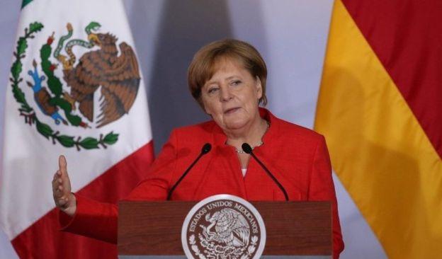 Меркель зробила цікаву заяву щодо Зеленського і Порошенка