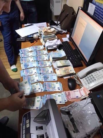 Силовики розповіли, скільки валюти хотіли вивести з України до ЄС