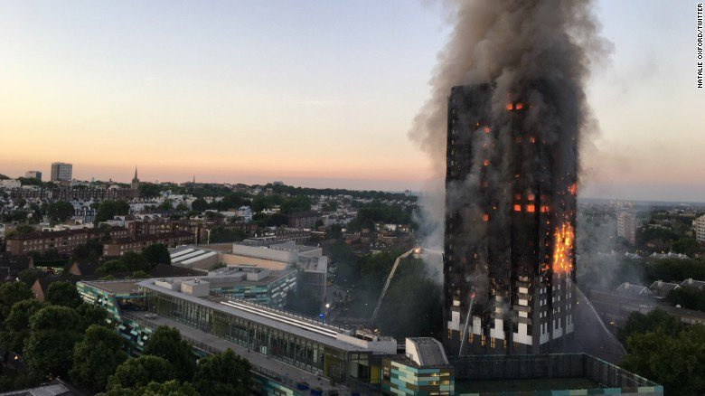 Пожежа у27-поверховому будинку вЛондоні: є постраждалі
