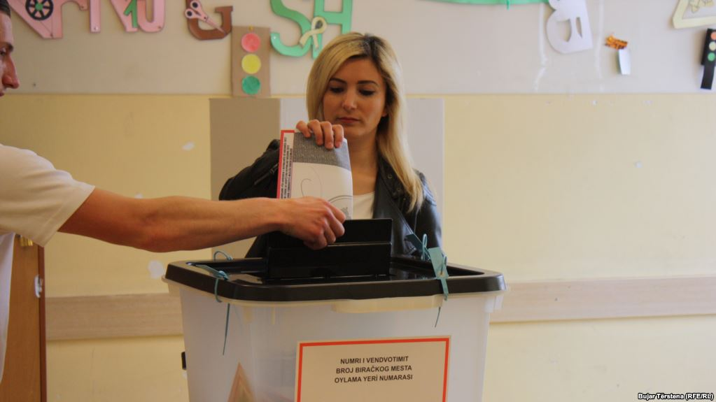 У невизнаному Косово стартували парламентські вибори