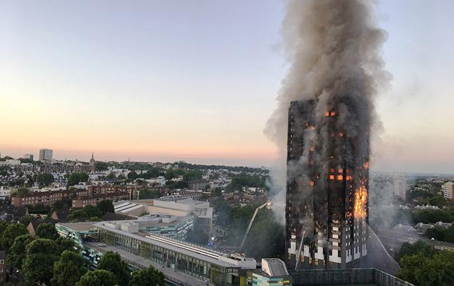 Масштабна пожежа в Лондоні: десятки постраждалих, оприлюднено відео