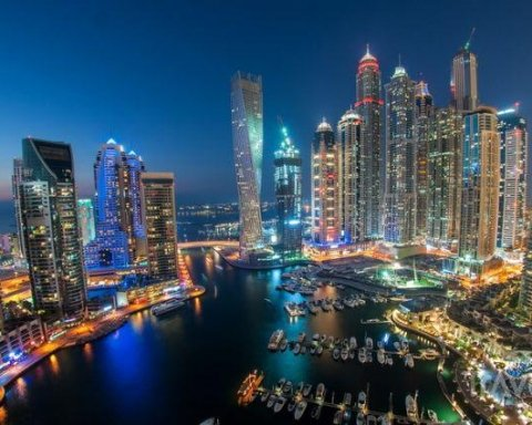 Аеропорти Дубая перейдуть на дистанційний спосіб біометричного контролю пасажирів