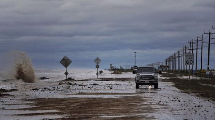 Метеорологи предупреждают о вероятной угрозе торнадо инаводнений наюге США