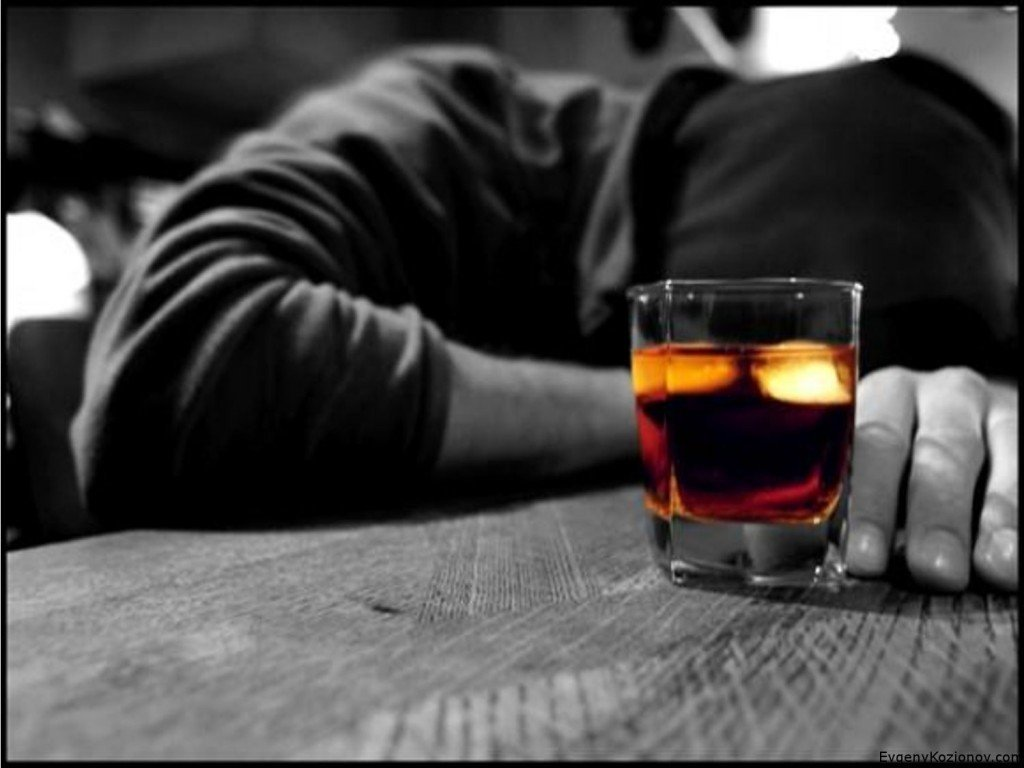 Назван вид алкоголя, который делает человека агрессивным